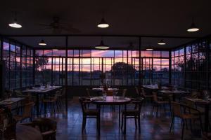 Um restaurante ou outro lugar para comer em Posada Campotinto