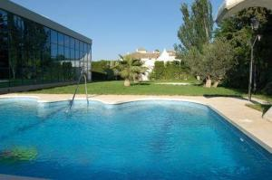 The swimming pool at or close to Finca Eslava