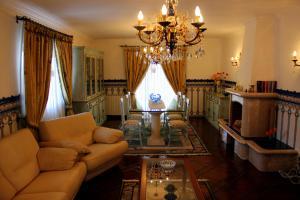A seating area at Casa da Moita