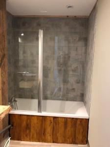 Salle de bains dans l'établissement La Ferme Sainte Catherine