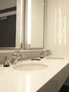 A bathroom at HI NYC Hostel