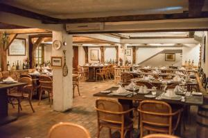 A restaurant or other place to eat at Dall'Onder Grande Hotel Bento Gonçalves