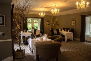 A restaurant or other place to eat at Greshornish House Hotel