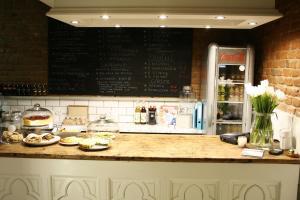A kitchen or kitchenette at Biała 16