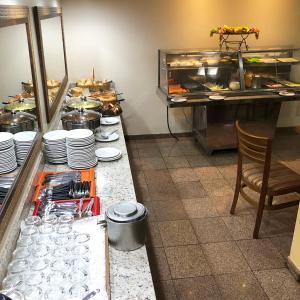 Um restaurante ou outro lugar para comer em Hotel Globo Rio