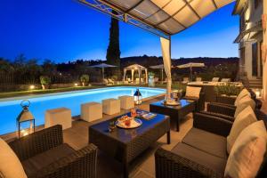 Piscina di Villa Il Sasso - Dimora d'Epoca o nelle vicinanze