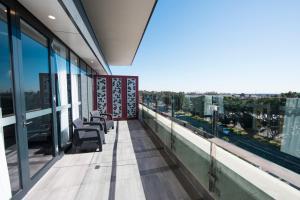 A balcony or terrace at The Gateway Inn, Newcastle