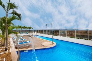 The swimming pool at or close to Blue Tree Premium Manaus