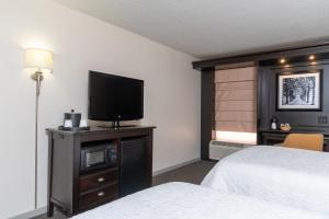 A television and/or entertainment center at Hampton Inn Kent/Akron Area