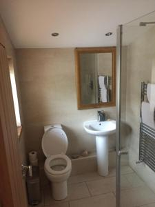 A bathroom at The Old Vicarage Lodge
