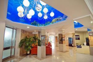 El vestíbulo o zona de recepción de Hotel Servigroup Calypso