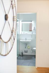 Ein Badezimmer in der Unterkunft Residenz am See