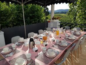 Restaurant ou autre lieu de restauration dans l'établissement Domaine Saint Dominique