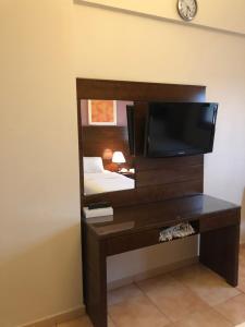 تلفاز و/أو أجهزة ترفيهية في فندق منازل الأسواف