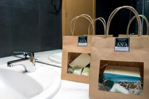 A bathroom at Hospedium Hotel Convento de Santa Ana