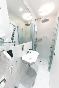 A bathroom at Altstadthotel Kasererbräu