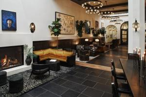 The lobby or reception area at Hotel Figueroa Downtown Los Angeles