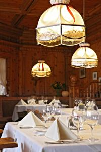 A restaurant or other place to eat at Dorint Sporthotel Garmisch-Partenkirchen