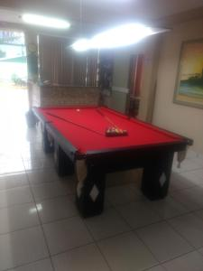 A pool table at Hotel Dom Daniel