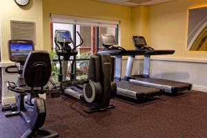 The fitness centre and/or fitness facilities at Courtyard by Marriott Sandestin at Grand Boulevard