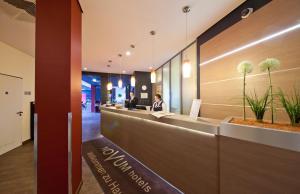 The lobby or reception area at Hotel Belmondo Hamburg Hbf
