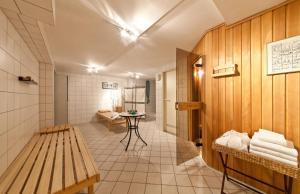 A seating area at Hotel Belmondo Hamburg Hbf