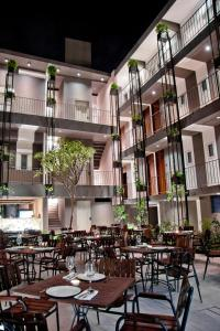 A restaurant or other place to eat at Flor de Mayo Boutique Hotel, Spa & Restaurant