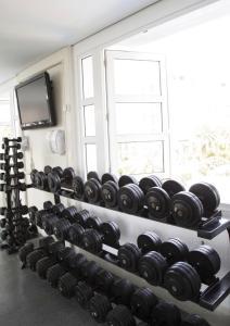 The fitness centre and/or fitness facilities at Apto no Il Campanario