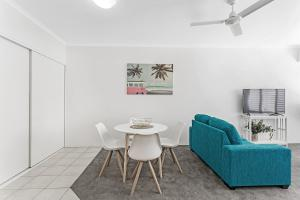 A seating area at Zenith Unit 7 - Shoal Bay