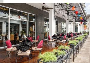Restaurant ou autre lieu de restauration dans l'établissement Paradise Suites Hotel