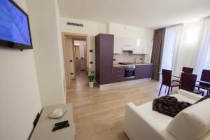 Кухня или мини-кухня в Residenza Agnello D'Oro
