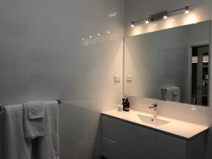 A bathroom at Amande Bed and Breakfast