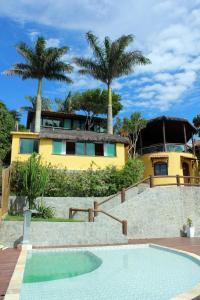 A piscina localizada em Bella Vista Ocean View ou nos arredores