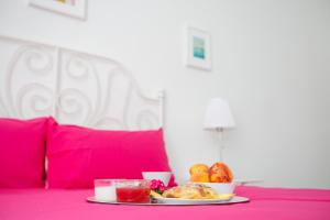 Breakfast options available to guests at Maison Ortigia