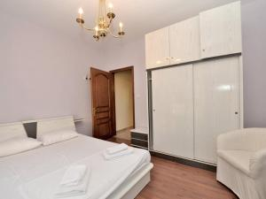 A bed or beds in a room at Halkidiki Family Villa-Garden
