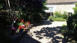 A garden outside La Pomme d'Or