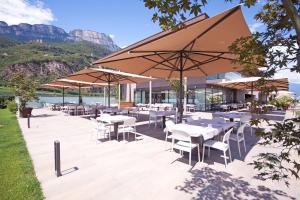 Ein Restaurant oder anderes Speiselokal in der Unterkunft The Lodge - Golfclub Eppan