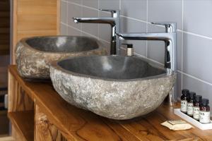 A bathroom at Safari Resort Beekse Bergen