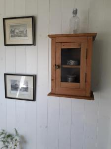 A television and/or entertainment center at Lough Hyne B&B