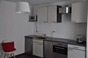 A kitchen or kitchenette at Hotel Klosterschenke