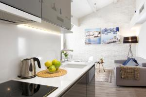 A kitchen or kitchenette at Mercedes Heritage Apartments