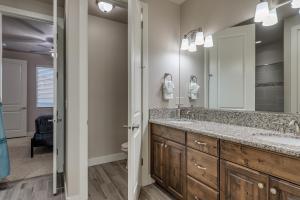 A bathroom at Canyon View Retreat #56