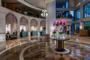 The lobby or reception area at Sofitel Saigon Plaza
