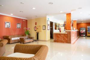 El vestíbulo o zona de recepción de Hotel Casa del Sol