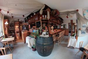 Ein Restaurant oder anderes Speiselokal in der Unterkunft Hotel Restaurant Zum Postillion
