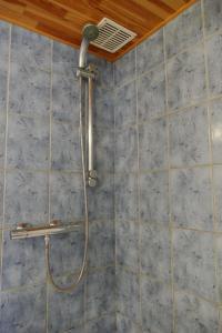 A bathroom at B&B La Pommeraie