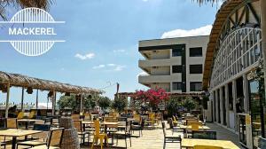 Un restaurant sau alt loc unde se poate mânca la Sea View Apartment