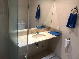 A bathroom at Penthouse duplex with Private Pool and View in Copacabana