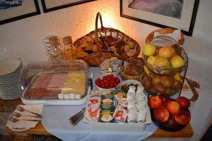 Breakfast options available to guests at Hotel-Pension Leitgebhof