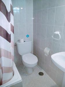 Un baño de Hostal Esmeralda